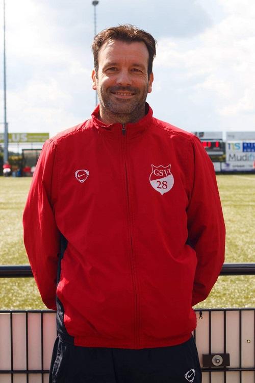 Hoofdtrainer Bart Meulenberg ook een 6e seizoen in Genhout
